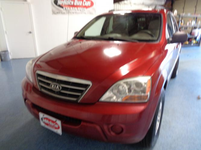 2008 RED Kia Sorento Base (KNDJD735885) with an 3.3L V6 DOHC 24V engine, 5-Speed Automatic Overdrive transmission, located at 900 East Davis Street, Conroe, TX, 77301, (936) 539-9909, 30.314880, -95.446770 - Photo #0
