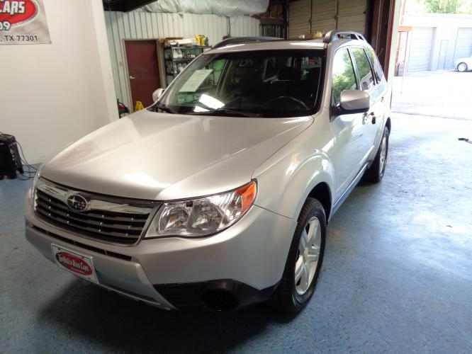 2010 SILVER SUBARU FORESTER 2.5X Premium (JF2SH6CC5AG) with an 2.5L H4 SOHC 16V engine, 5-SPEED MANUAL transmission, located at 900 East Davis Street, Conroe, TX, 77301, (936) 539-9909, 30.314880, -95.446770 - Photo #0